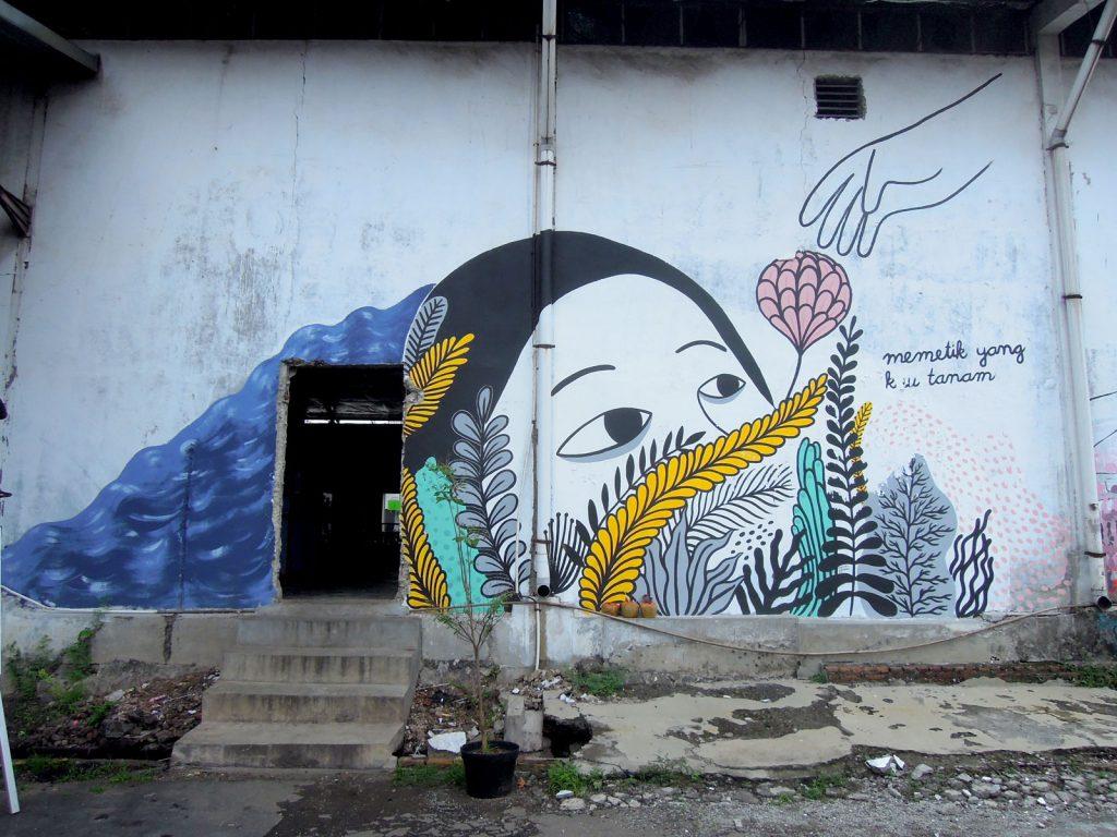 Mural seniman perempuan jb 2015 visual jalananvisual jalanan for Mural hitam putih