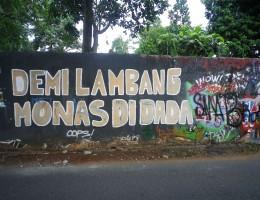 visualinsite – Graffiti dan Mural di Tembok Lapangan Bola Jagakarsa, Jakarta Selatan