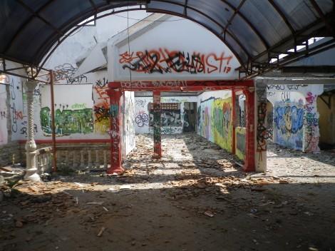 Rumah Kosong Jadi Incaran. – Jl. M Khafi II, Jagakarsa, Jakarta Selatan